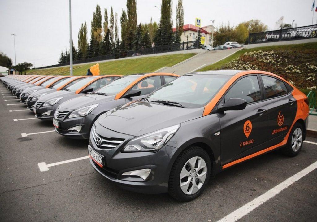 Каршеринг широко распространен в Екатеринбурге и найти свободный автомобиль не составит труда.